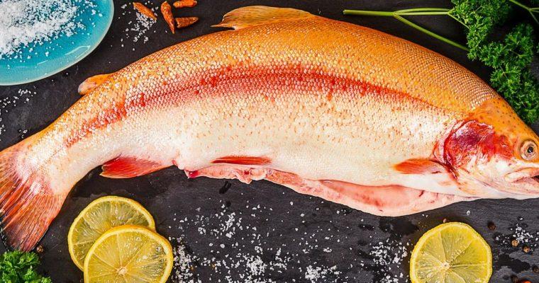 Seared Salmon with Green Peppercorn Sauce